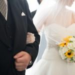 結婚式に呼ばれた女子の服装マナーと男子目線