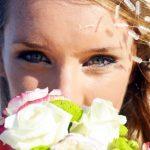 結婚式当日 服装やメイク、髪型はどうすればいいの?